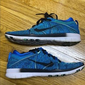Shoes - Nike Running Shoes fly knit